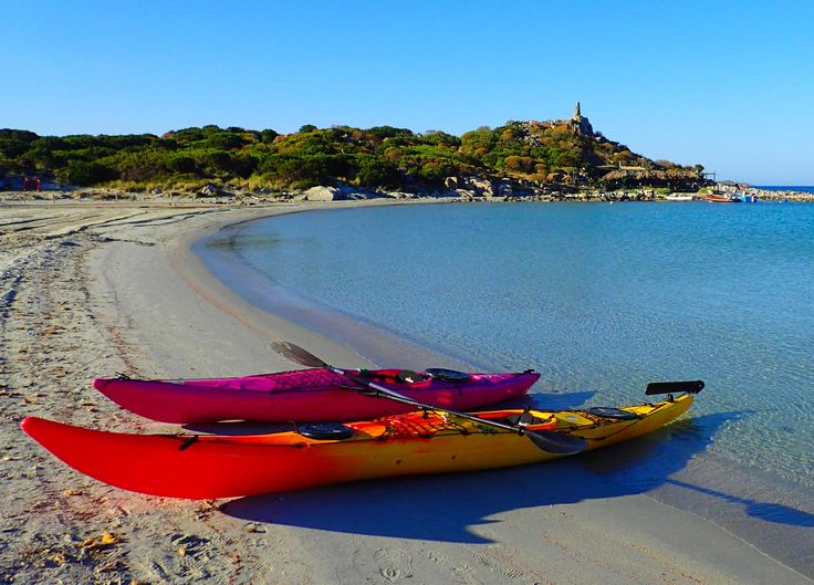 Are you looking for a #kayaking experience in a five-star #hotel? Try the excursion to Punta Molentis in the south of #Sardinia provided by La Villa del Re Hotel Active Holiday program. Book now! www.lavilladelre.com #ActiveHolidayVDR