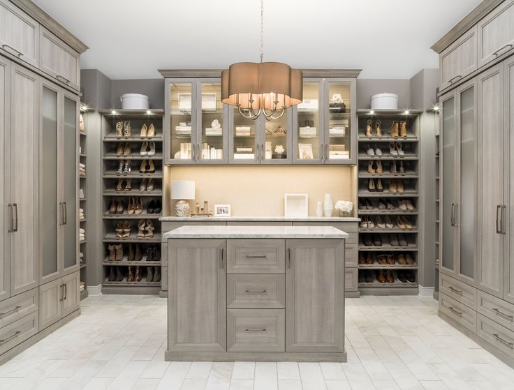 Best 25 custom closets ideas on pinterest master closet for Closets by design chicago