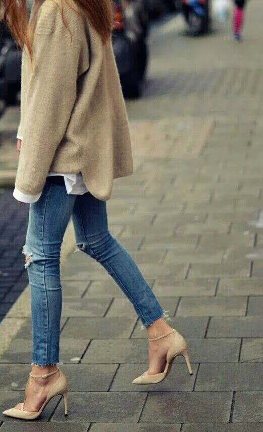 rustic rooster interiors: neutral love the shoes, long hair and skinny legs make a frumpy option look great.  xx