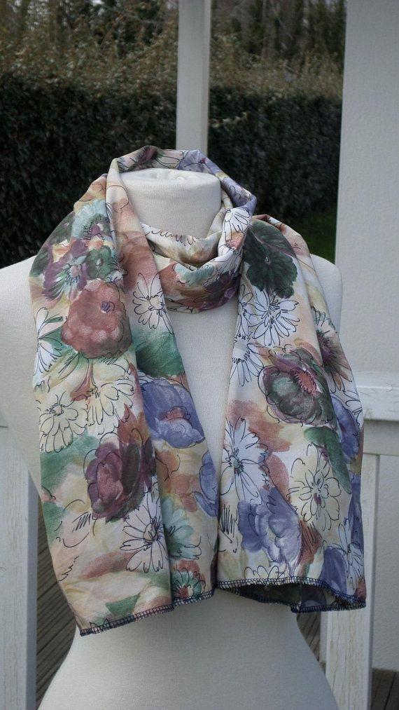 Foulard écharpe étole pour femme en coton polyester imprimé fleurs de  coloris vert,mauve beige créateur lineva pour mariage,soirée,cérémonie 0fbb4667dce