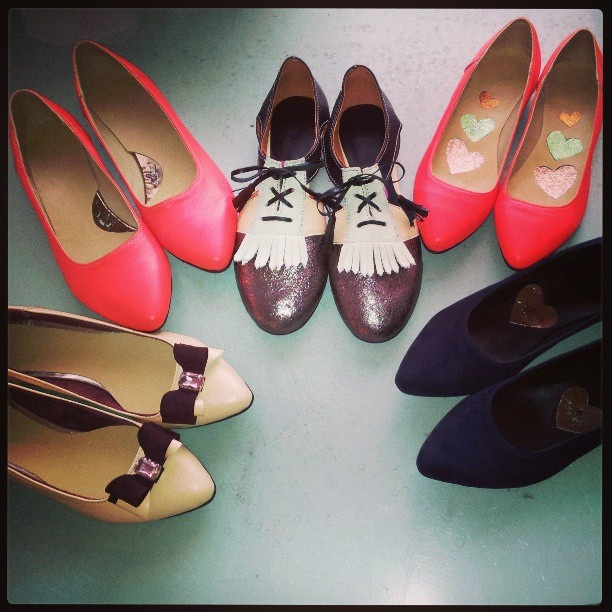 #shoes #kalishoes #sparkle #pink #red #bow #flats