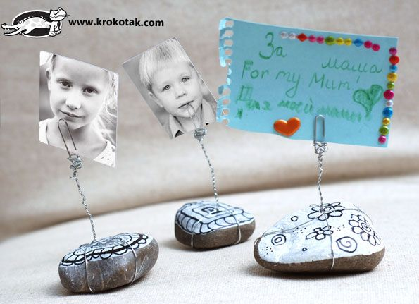 Stand form pebbles for small notes and pictures