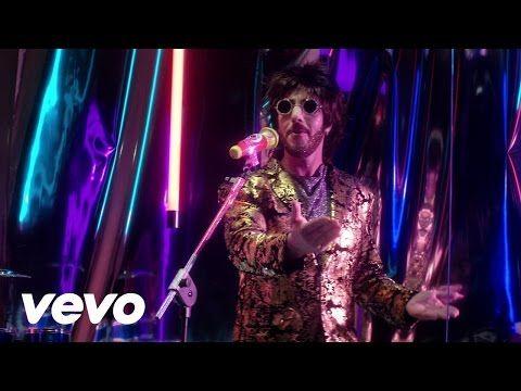 Max Gazzè - Ti Sembra Normale (Video Musicale)