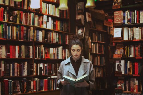 """thewhitenotebook:  """"I cannot remember the books I've read any more than the meals I have eaten; even so, they have made me.""""-Ralph Waldo Emerson"""