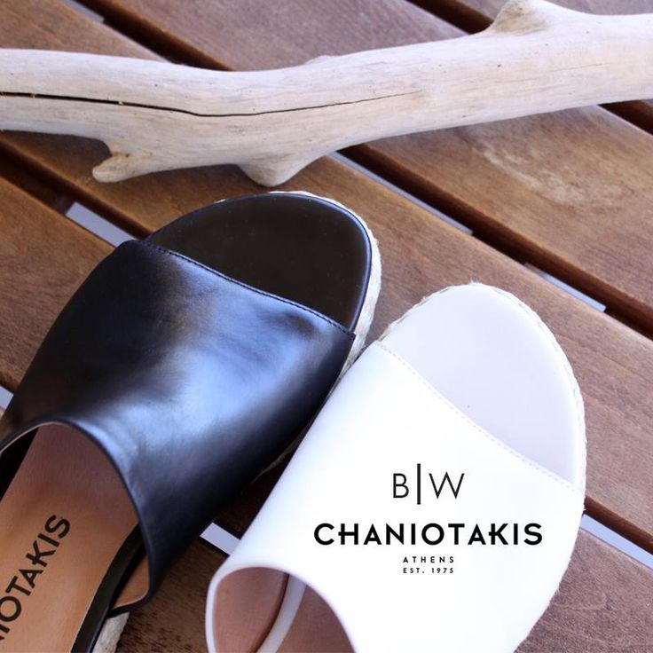 Μαύρο ή λευκό; Λευκό ή μαύρο; Όπως και να 'ναι, τα flat πέδιλα δίνουν το παρόν στο φετινό καλοκαίρι! http://tinyurl.com/h4sn6d8 #sandals #summer_2016 #chaniotakis