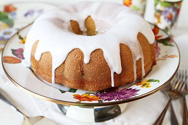 Vanilla Bundt Cake - switch out 2tsp vanilla for 2tsp peppermint and add choice chips and green dye