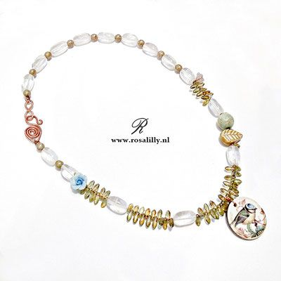 kettingen met vleugels, kettingen vlinder, ketting pimpelmees, ketting vogel, sieraden met een bijzonder ontwerp