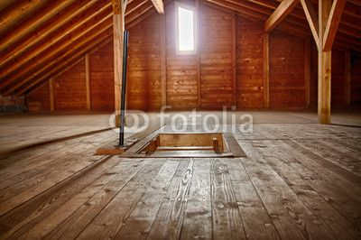 Dachkammer aus Holz in hdr-style