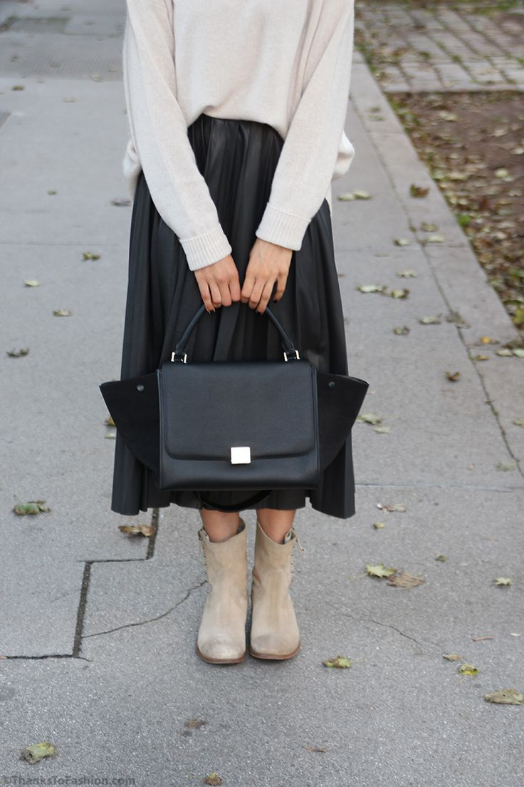 Accordion pleated skirt teamed with knitted jumper and boots #pleats #pleated #midi #skirt #faux #leather #celine #bag #trapeze #hat #zara #skirt #topshop #trend #guid #2014/15  http://www.thankstofashion.com/?p=4079&preview=true