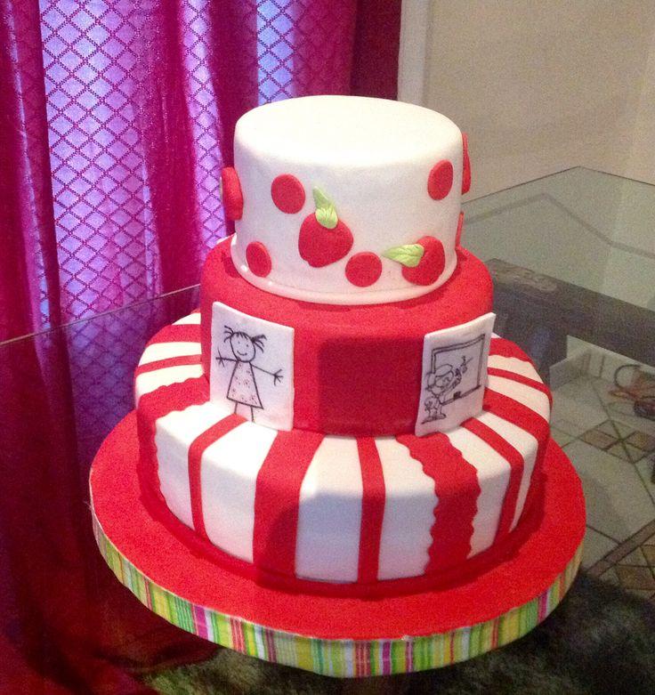 Pastel rojo y blanco en fondant