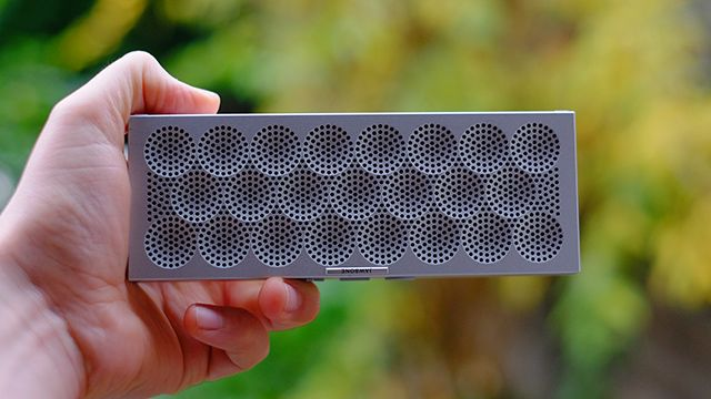 Jawbone Mini Jambox - the smaller brother of the Jawbone BIG Jambox, offers a speaker that does not only produces loud sound but it also has a great customized design - the patterns! #Best Portable Speaker