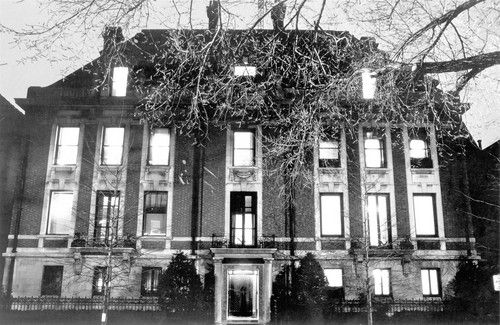 """Playboy mansion, at 1340 N. State Parkway, on Chicago's Gold Coast. (From photogallery """"Chicago's defining moments: 1840-1963"""" trib.in/mVZ3Qp)"""
