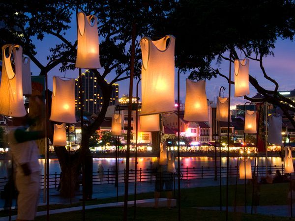 Landscape Lighting?  Waterfront, Singapore: Lights Exhibitions, Tshirt Lights, Trav'Lin Lights, Color, Landscape Lights, Parks Singapore, Boats, T Shirts Lights, 2011Singapor Waterfront