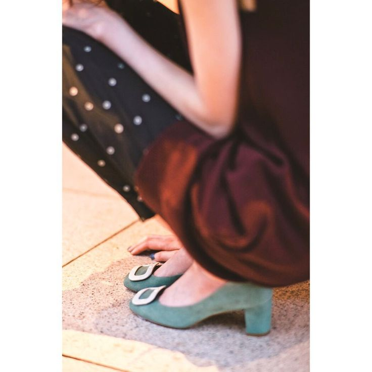 2015 FALL /WINTER ROMANTIQUE  pumps:¥20,520(tax in) Odette e Odile  #odetteeodile #オデットエオディール #unitedarrows #fashion #shoes #pumps #square  #buckle #modern #classical #60's #70's #feminine #blockheel #15fw #fall #winter #catalogue #new #beautiful #likeit #loveit #follow