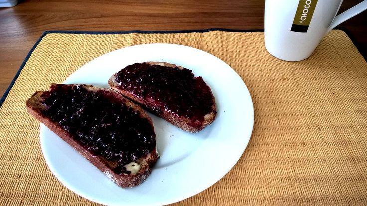Bread with Blackberry-Chili Jelly; Brombeeren-Chili Marmeladebrot