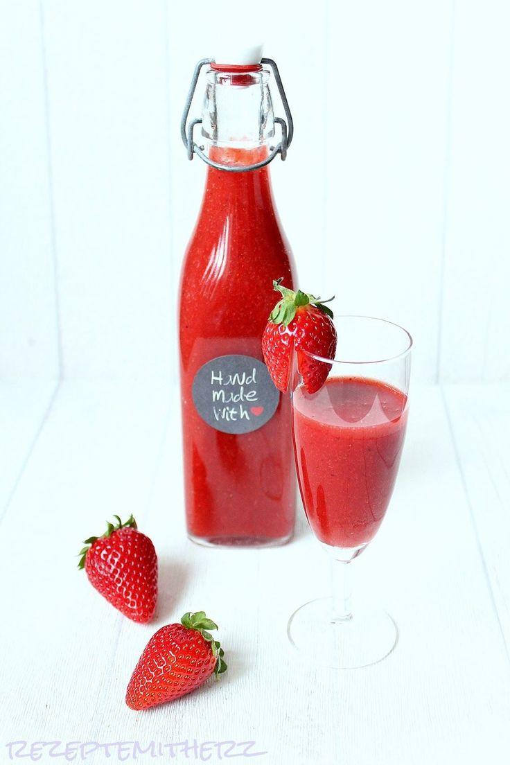 Erdbeerlimes ist sooo lecker.  Aber auch gefährlich ;-)  Wieviel Alkohol man bereits getrunken hat, merkt man nämlich erst, wenn's schon zu...