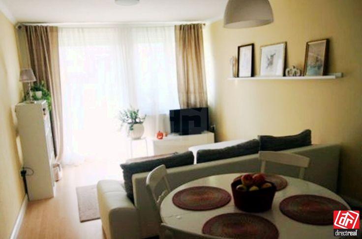 Ponúkame Vám na predaj 2 izbový byt na Pannónskej 9 v novostavbe Jurský obytný park vo Svätom Juri. Podlahová plocha bytu je 40m2 + výmera predzáhradky 40 m2 balkón.  Byt je dispozične výborne vyriešený, má priestrannú otvorenú obývaciu izbu, spojenú s kuchynskou časťou a menšou chodbou. Ďalej má spálňu a samostatný priestranný šatník (s práčkou). Kúpeľna so sprchovacím kútom je spojená s WC. Na predzáhradku je priamy vstup z obývacej izby, aj spálne, takže Vám pod oknami nikto cudzí chodiť…
