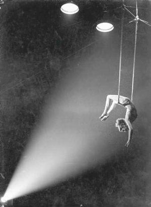 Circus trapese artist