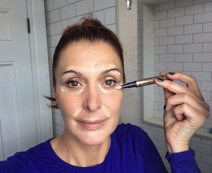 Aujourd'hui, je vous parle de maquillage, et plus précisément du teint. Parce que c'est la question que vous me posez le plus souvent; comment et quoi utiliser pour se maquiller la peau? L'idée est de camoufler nos petites imperfections et d'unifier notre teint sans avoir l'air de porter un masque. Voici quelques trucs de une […]
