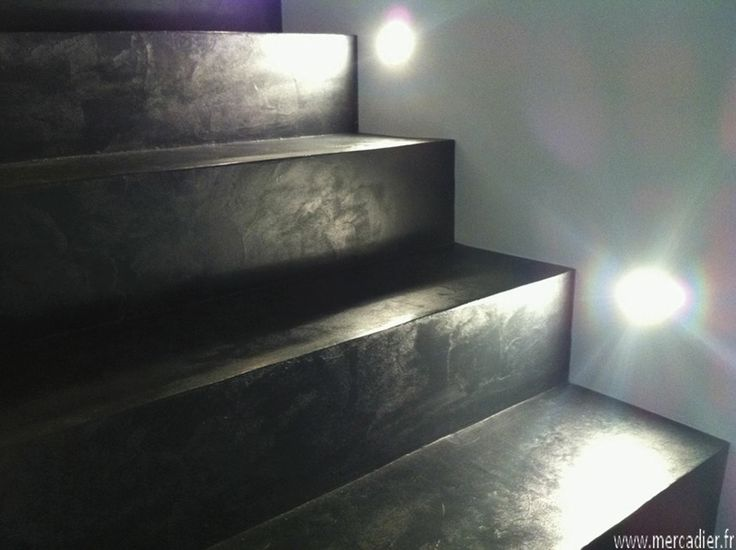 waxed concrete stairs by Beton Cire