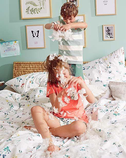 Piękne i delikatne - wybierz bieliznę lub piżamę dla siebie lub swoich pociech: www.tchibo.pl/