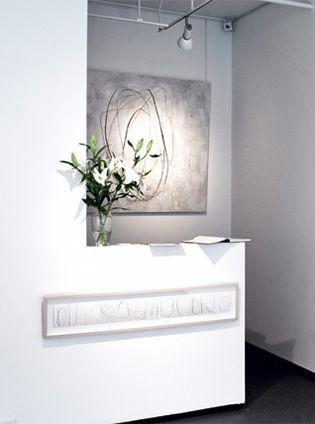 Patricia Avellán se dedica a pintar líneas. Líneas que forman cuadros o se extienden hacia un lugar desconocido.  Revista CLAVE! 44