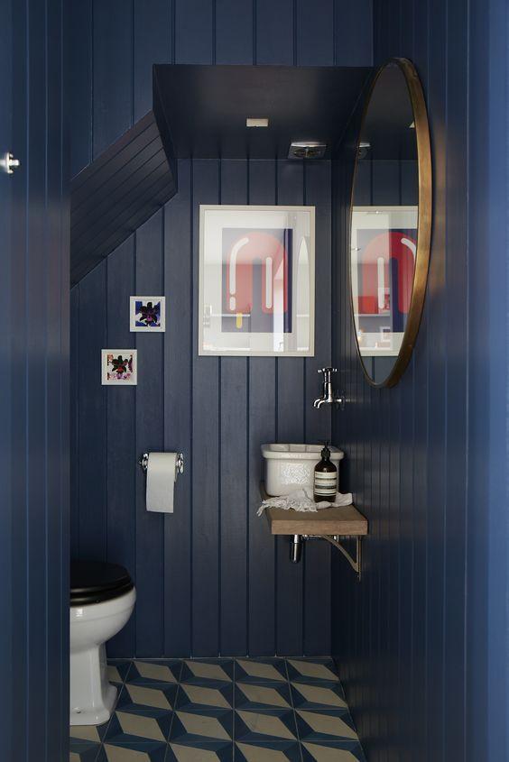Blue walls | Cladding | Patterned tiles | Bathroom | Modern art | Livingetc
