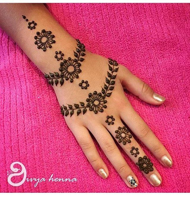 Henna @divyahenna #hennalookbook Follow @divyahenna For More Amazing Inspirations