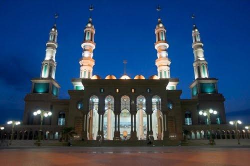 Islamic Centre Samarinda, East Kalimantan-Indonesia by Bert Lanting Fotogra…