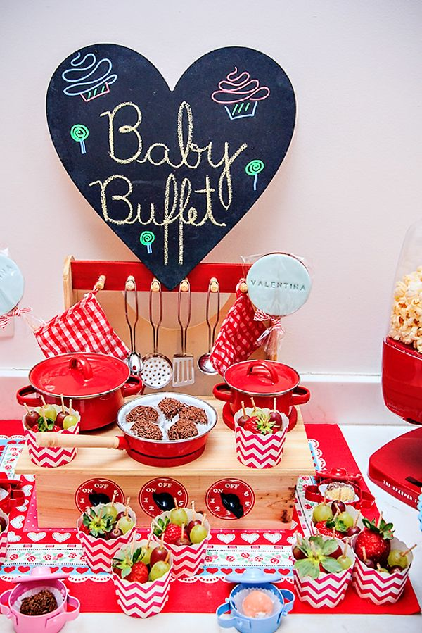 Cooking party decorations: use cute vintage toy kitchen tools as table decor!
