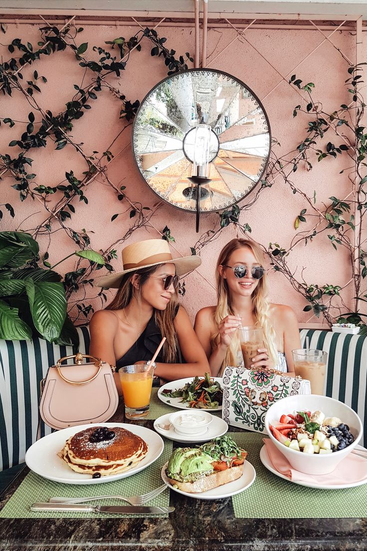 Girls Brunch at Beverly Hills Hotel   LA http://www.ohhcouture.com/2017/05/palm-springs-la-17/ #ohhcouture #leoniehanne