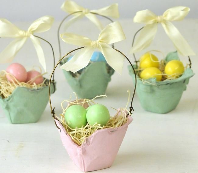 DIY Egg Carton Easter Baskets ~  create an Easter basket using egg cartons and paint... adorable at each place setting for Easter dinner