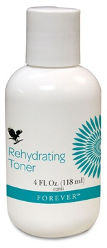 Forever Living - Rehydrating Toner is a non-drying, alcohol-free toner containing natural aloe vera & witch hazel, skin moisturisers & plant extracts, for toning the skin. Contains collagen & allantoin for cell conditioning. Removes traces of cleanser, oils & dull, lifeless surface cells & reduces pore size to leave the skin balanced and stimulated. Rehydration is provided as the skin is gently refined.