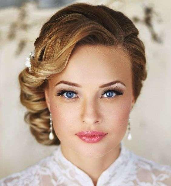Acconciature eleganti capelli corti - Capelli corti appuntati di lato