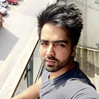 Hardy Sandhu looking very fresh..... Selfie :) . @punjabimedia . #punjabimedia #pollywood #instapollywood #punjab #punjabi #india #desi #jatt #jatti #amritsar #ludhiana #jalandhar #chandigarh #punjabi #punjabiswag #punjabigirl #bathinda #patiala