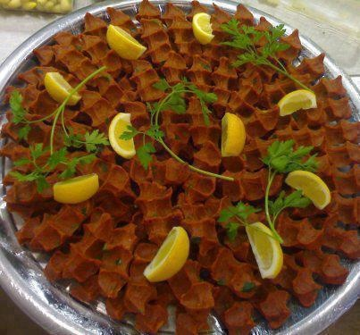 çiğ köfte turkish food - türk yemekleri