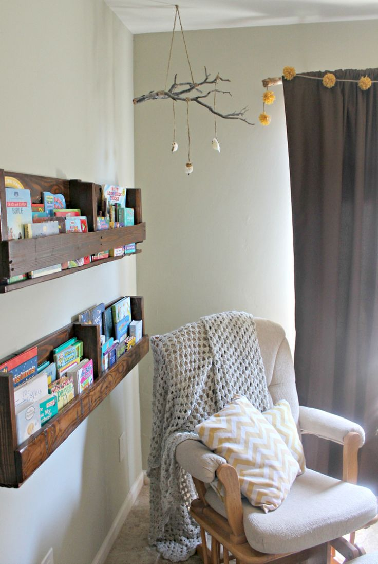Love those bookshelves. Think I could probably fashion those out of some old dresser drawers.