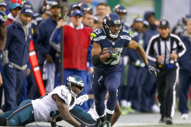 Seahawks-Eagles on Sunday Night Football: Kickoff time, TV coverage, radio, live streaming options, more