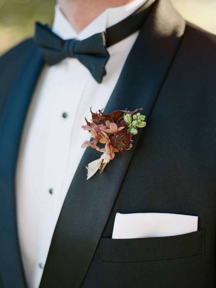 Floral Design: Bows and Arrows - http://bowsandarrowsflowers.com Floral Design: Venus and Co - http://www.stylemepretty.com/portfolio/venus-and-co Tux: Menguin - http://www.stylemepretty.com/portfolio/menguin   Read More on SMP: http://www.stylemepretty.com/2017/03/06/this-is-how-you-bring-old-world-glamour-to-texas/