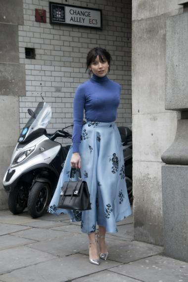 albastru in street style