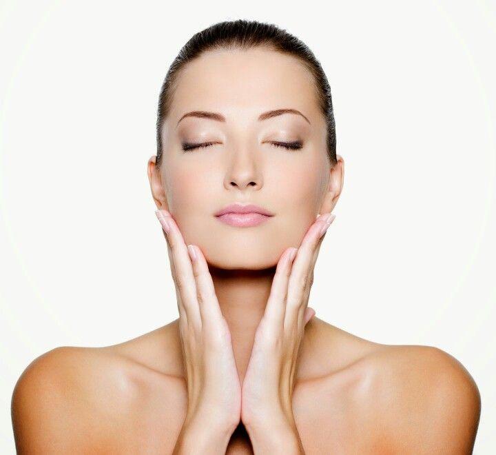 I trattamenti di Medicina Estetica sul tuo  viso completano il tuo sorriso!