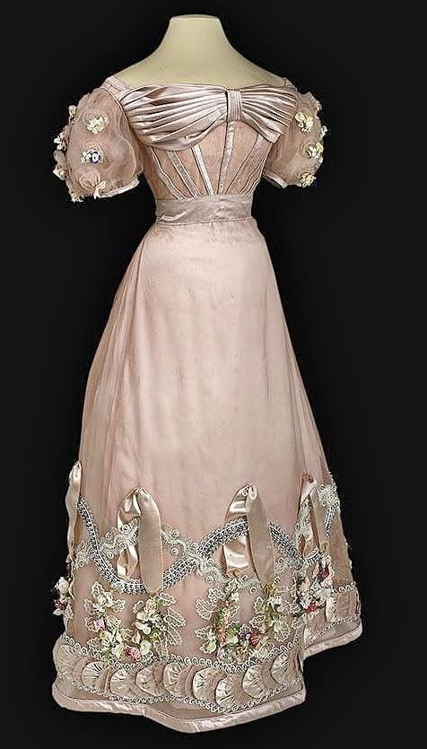 Ball gown of Princess Zinaida Ivanovna Yusupova, Imperial Russia ca. 1826-27