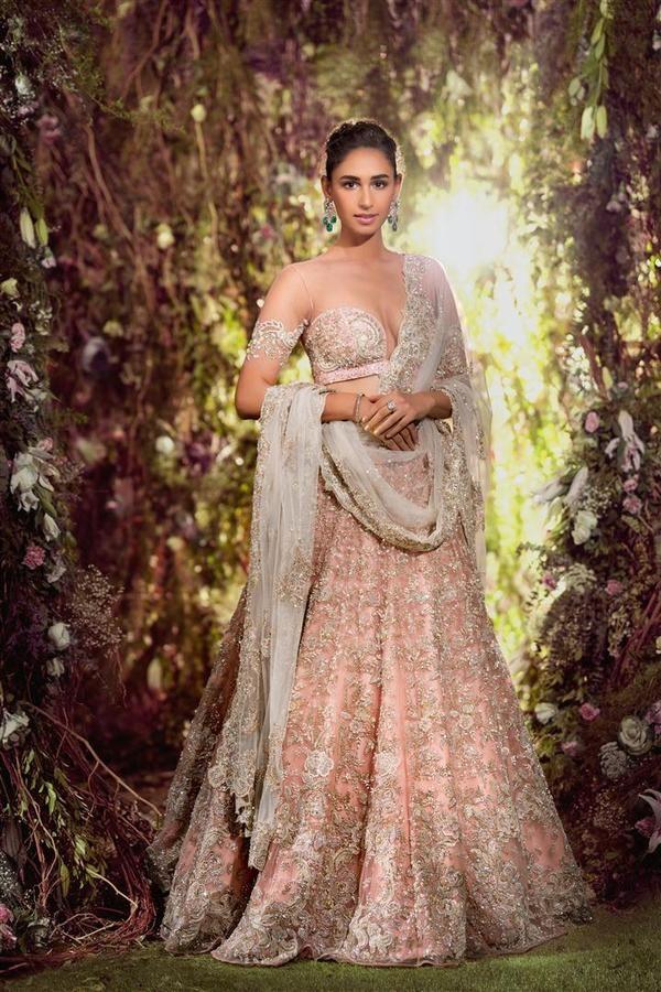 aa86101cf53 100% CASHBACK Beautiful Exclusive Designer Custom made lehenga Cholo on  STYLIZONE  lehenga  saree  indianwedding  fashion  indianfashion  wedding  ...