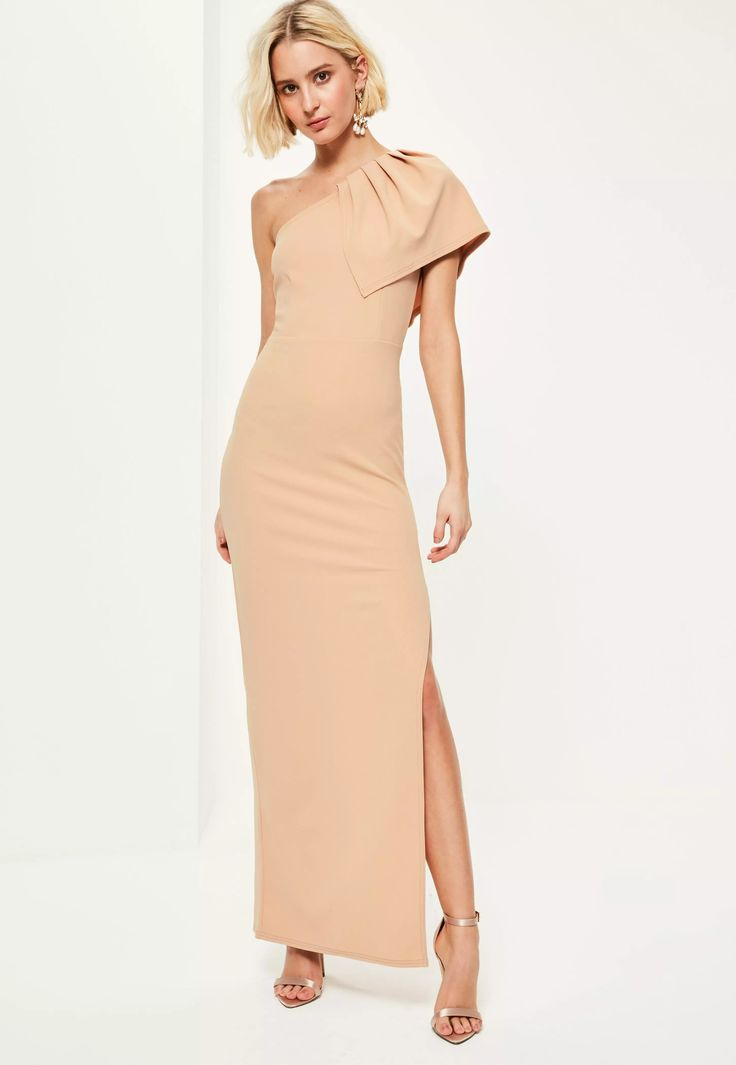 Budget Bridesmaid dress? You're welcome. In a warm nude palette, one shoulder style with subtle pleated detailing, tapered side split and delicate crepe fabric, this will give you an instant babe status with a flawless feel. Let's face it, ...
