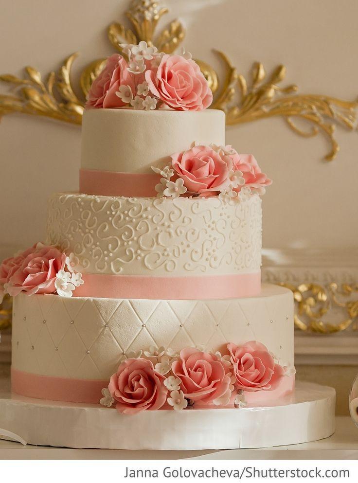 Hochzeitstorte 3 stöckig mit rosa Rosen für russische Hochzeiten