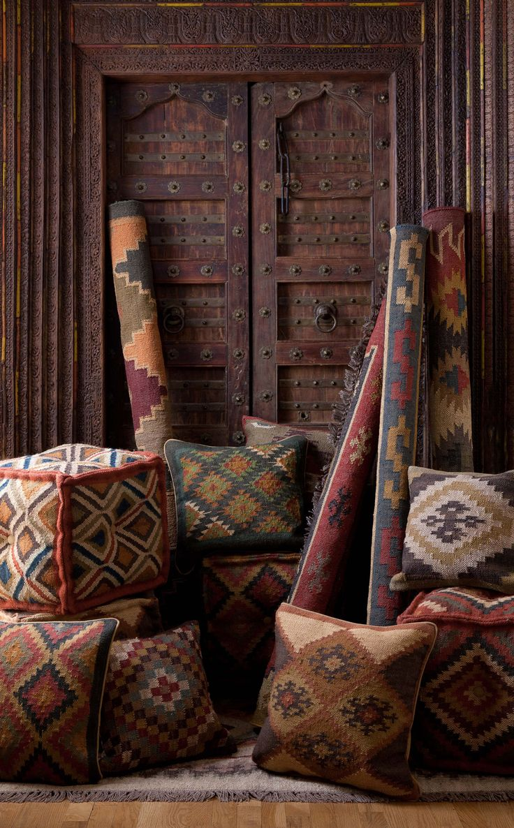 Geometric type pattern within moroccan woven textiles