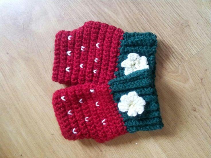 Chunky strawberry mitts twinkie chan pattern