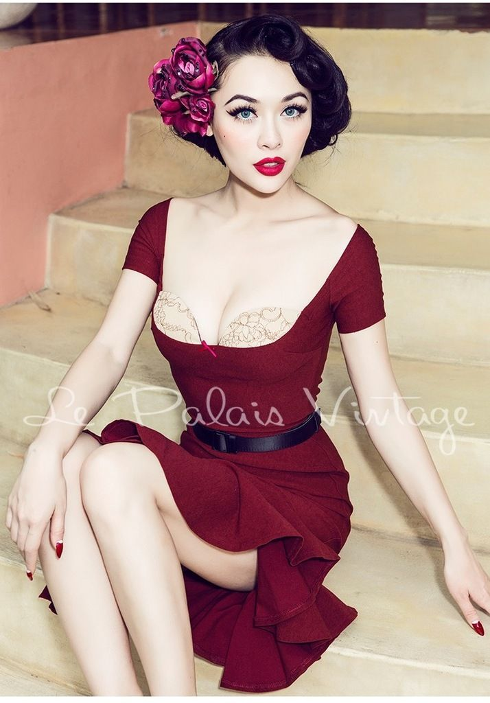 "here is a good ""sexy"" dress heavily inspired by the 50's."