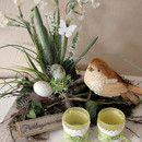 ** Tischgesteck  FRÜHLINGSERWACHEN**  bestehend aus einem großen, quadratischen, weißen Holzteller im shabby-look bestückt mit schönen Narzissen, weißen Rispenblüten und Gräsern, sehr echt...