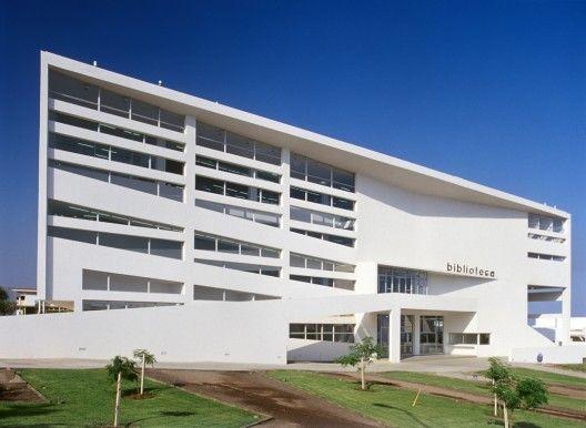 Central Library, Universidad Catolica de Norte, Chile. Arquitectos Asociados, 2004. EA.